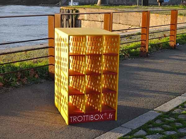 mobilier urbain plastique durable